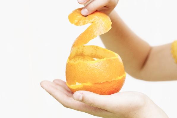 SNAŽNO, A JEFTINO: Napravite prirodno sredstvo za čišćenje od kore citrusa  ...