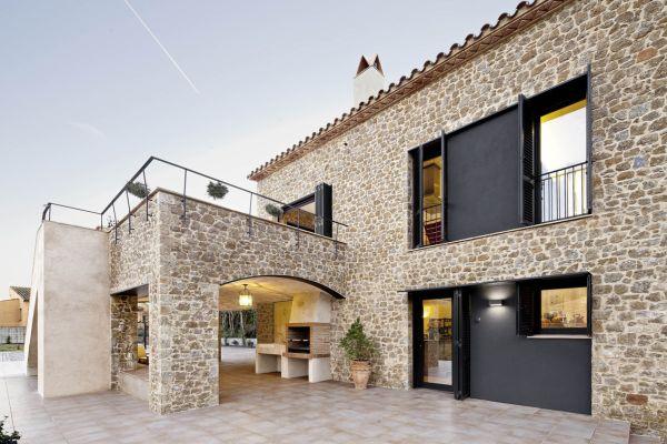 Moderna kamena kuća u mirnom španjolskom selu će vas ostaviti bez daha!  Kuc...