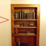 polica-za-knjige-tajni-ulaz