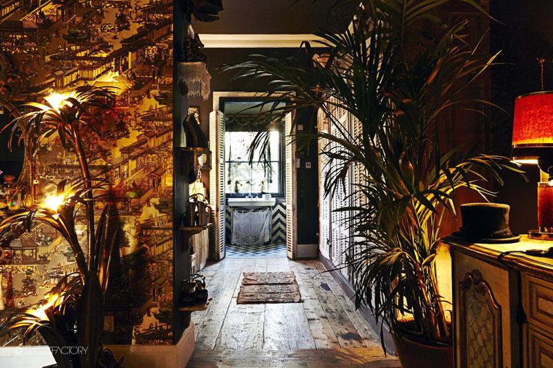 Dramatično uređenje stana u Londonu  KucaSnova.com