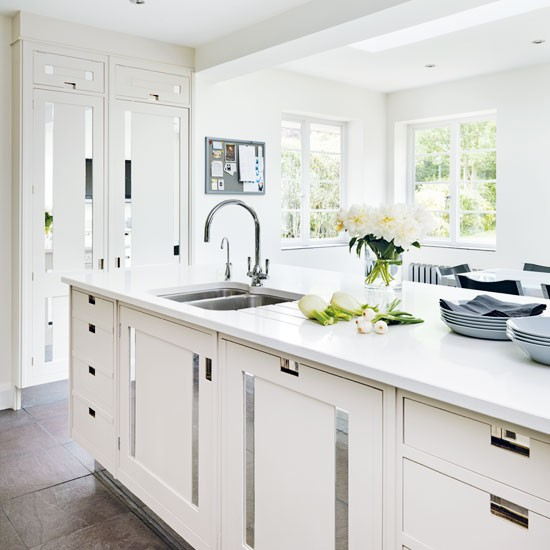 10 Beautiful White Beach House Kitchens: 10 Primjera Kuhinje U Bijeloj Boji