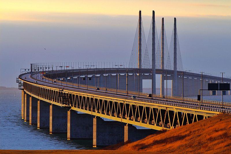 Arhitektonsko čudo Skandinavije most koji prelazi u podvodni tunel (1)