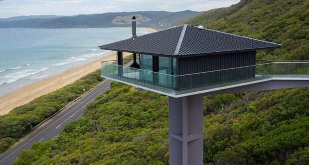 Kuća koja lebdi iznad okeana 1