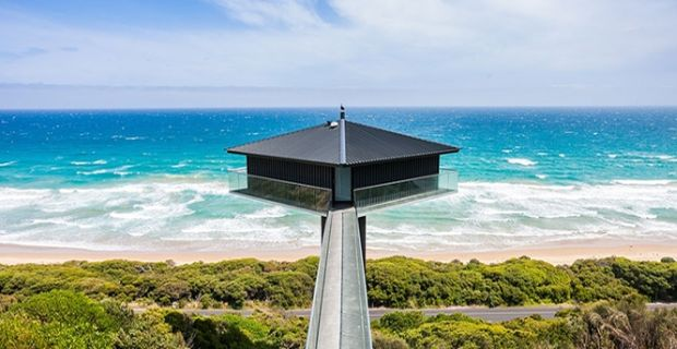 Kuća koja lebdi iznad okeana 665