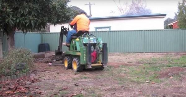 dvoriste-traktor