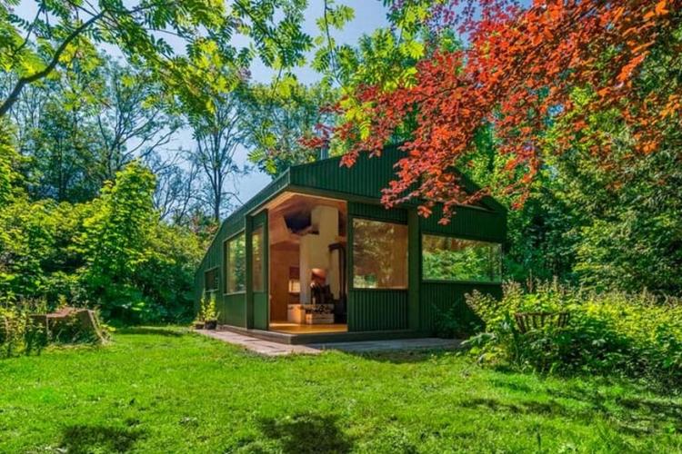 Kućica u šumi za savršen odmor (FOTO)  KucaSnova.com