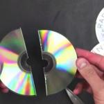 Stare diskove isjekao na sitne dijelove: Krajnji rezultat oduševio sve! (VIDEO)