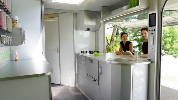 Rotirajući kamper koji se transformiše u mali stan (12)