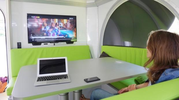 Rotirajući kamper koji se transformiše u mali stan (14)