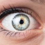 POGLEDAJTE SE U OGLEDALO! Ako vidite ovo, u oku raste opasan tumor: ovo su simptomi za karcinom oka